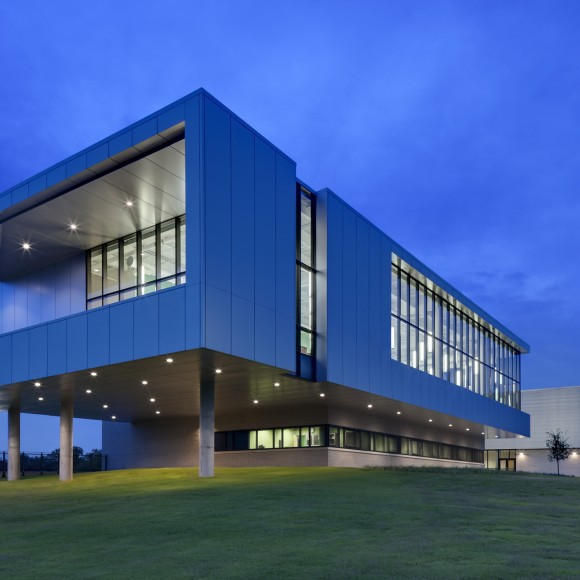 Zan Wesley Holmes Jr. Middle School - Dallas, TX Perkins+Will