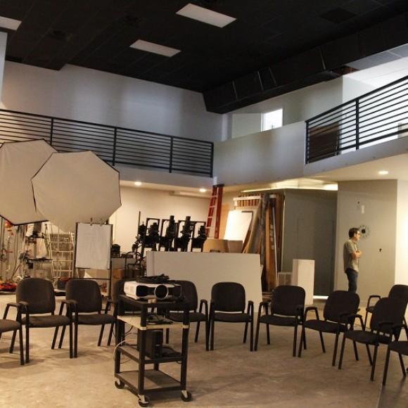 DALLAS CENTER FOR PHOTOGRAPHY Interior Photography Studio and School, Dallas, Texas Architect of Record 2,500 SF: cost $175,000
