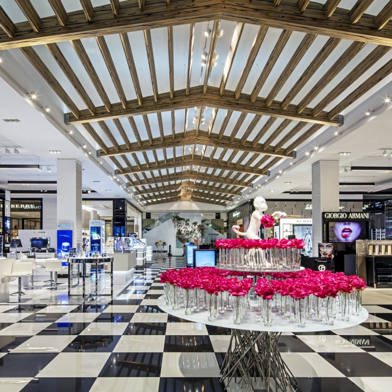 Bloomingdale's Ala Moana, Honolulu, HI.  Bloomingdale's Hawaii flagship, the iconic retailer's first store outside of the lower 48 states, anchors the newly constructed luxury wing of Ala Moana Center in Honolulu. The new 165,000 square foot store is slated to be the drop off point for tour buses, as well as the primary entry to the mall for the tourists, so a strong focus on the tourist presence needed to inform the overall planning. © Andrea Brizzi